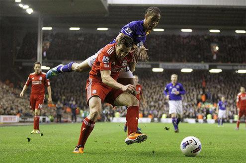 9 cầu thủ Comolli đưa về Liverpool
