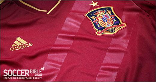 Áo thi đấu Euro 2012 - đội tuyển Tây Ban Nha