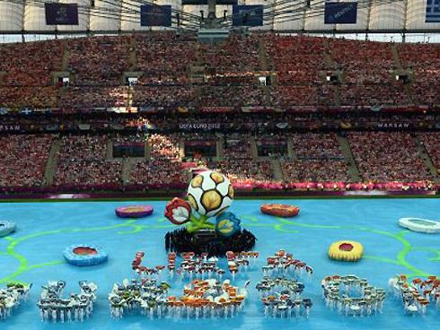 Khai mạc Euro 2012 ngắn gọn nhưng giàu ý nghĩa
