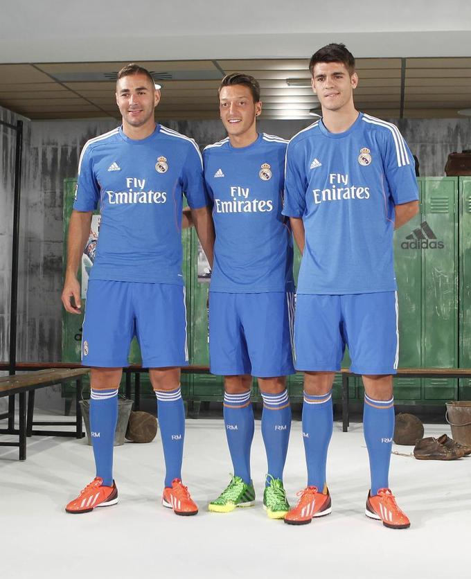 Real ra mắt áo giống hệt Chelsea