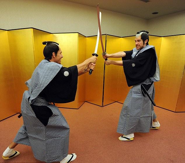Cầu thủ Arsenal hóa thân thành võ sĩ Samurai