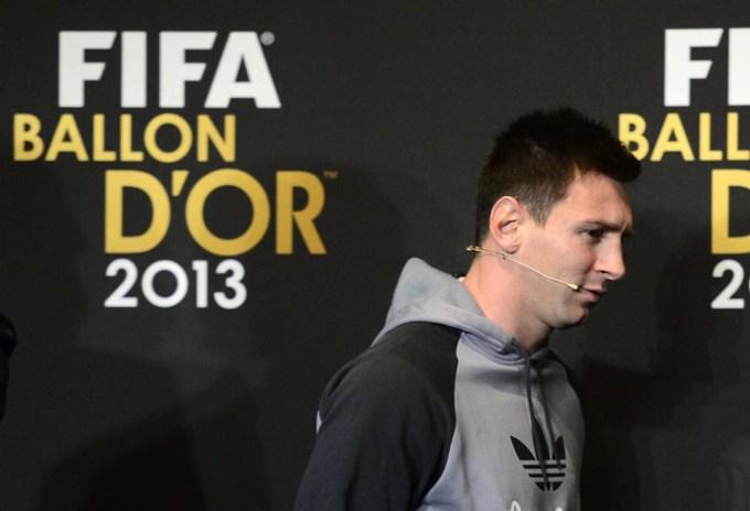 Messi: 'Ronaldo xứng đáng đoạt Quả Bóng Vàng'