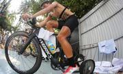 Những cực khổ của các tay đua xe đạp