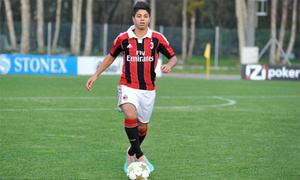 Milan đưa cầu thủ 15 tuổi lên đội một