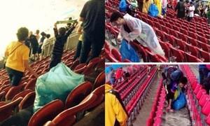 Đội nhà thua cuộc, CĐV Nhật vẫn nán lại dọn rác ở World Cup