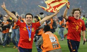 Xavi giã từ đội tuyển Tây Ban Nha