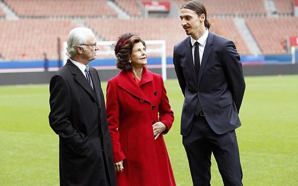 Ibrahimovic làm hướng dẫn viên cho vua Thụy Điển