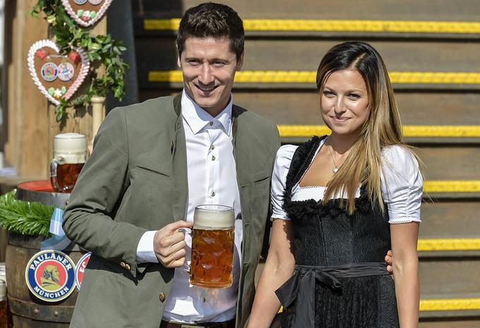Bayern mừng chiến thắng tại lễ hội bia Oktoberfest