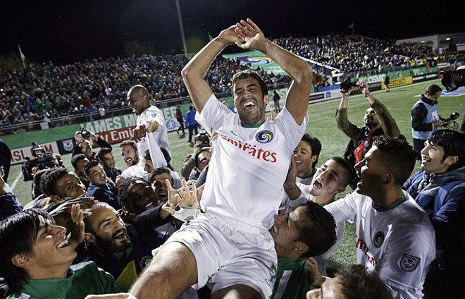 Raul kết thúc sự nghiệp bằng chức vô địch tại Mỹ