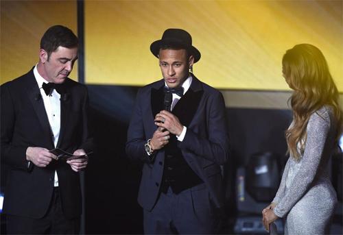 neymar-that-vong-khi-chi-xep-thu-ba-cuoc-dua-qua-bong-vang