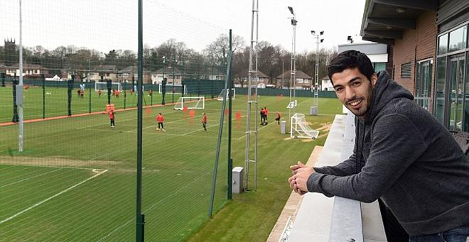 Suarez trở lại thăm 'mái nhà xưa' Liverpool