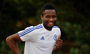 Trụ cột của Chelsea trách móc Mourinho