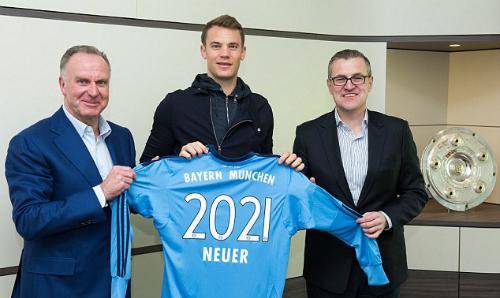 manuel-neuer-o-lai-bayern-den-nam-2021