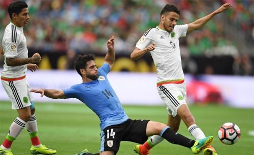 vang-suarez-uruguay-khoi-dau-bang-that-bai-o-copa-america-2016