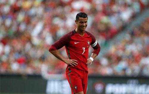 ronaldo-bo-dao-nha-se-vo-dich-euro-hoac-world-cup