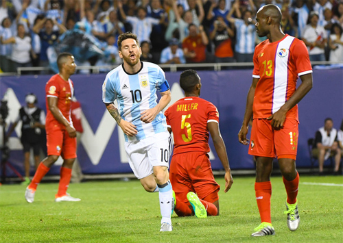 messi-lap-hat-trick-sieu-toc-argentina-vao-tu-ket-copa-america