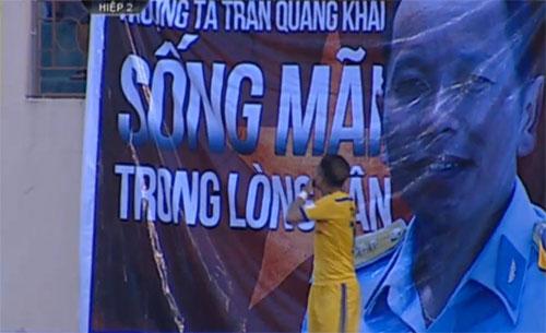 cdv-treo-hinh-phi-cong-tran-quang-khai-tai-v-league