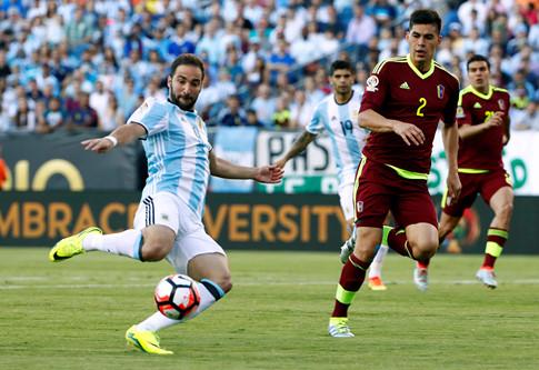 argentina-vao-ban-ket-copa-america-bang-tran-dai-thang-2