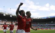 Bale nâng bước xứ Wales vào tứ kết Euro 2016