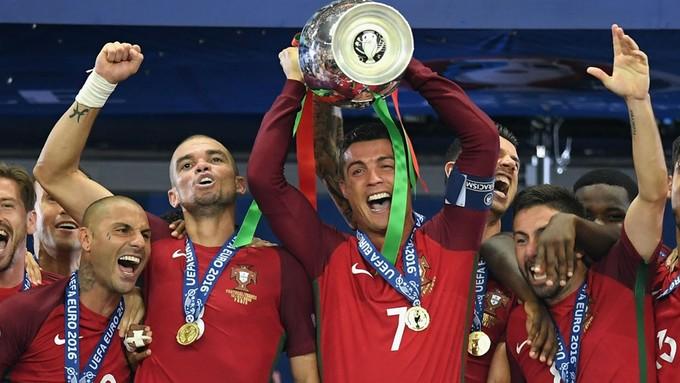 18 danh hiệu trong sự nghiệp của Ronaldo