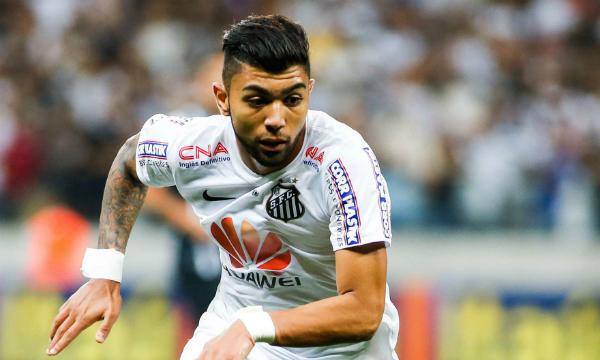 Gabriel Barbosa đang khoác áo Santos.