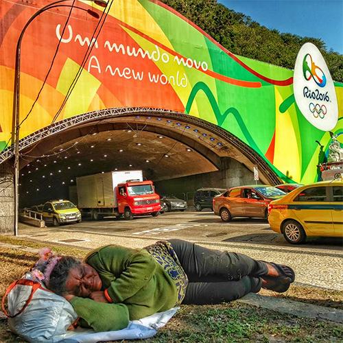 nguoi-brazil-chia-se-buc-anh-dau-long-de-chi-trich-olympic-2016