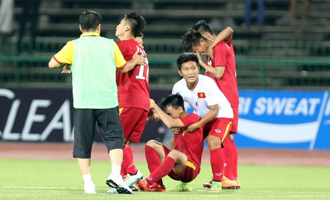 Cầu thủ U16 Việt Nam tuôn lệ vì mất Cup vô địch