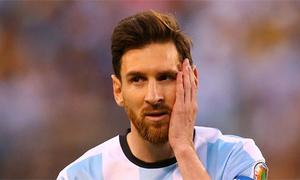 Messi từ chối xem xét lại quyết định giã từ đội tuyển