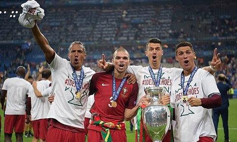 Ronaldo đáp trả Mourinho trên mạng xã hội