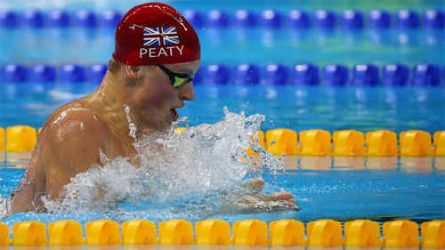 adam-peaty-cau-be-so-nuoc-gianh-hc-vang-olympic-voi-ky-luc-boi-ech
