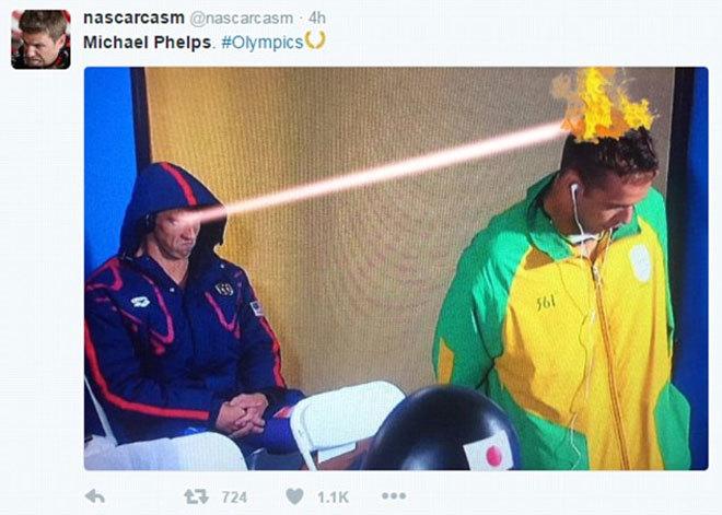 Michael Phelps nhìn đối thủ như muốn ăn tươi nuốt sống