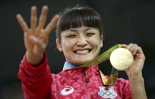 do-vat-nhat-ban-lap-ky-luc-cho-phai-nu-tai-olympic-1