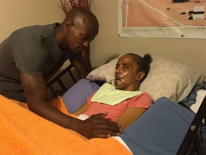 Nhà vô địch Olympic vội về nhà tặng HC vàng cho mẹ bị bệnh