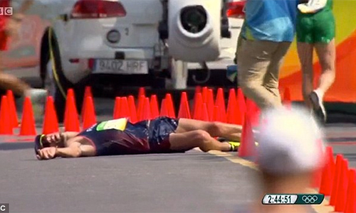ky-luc-gia-phap-bi-tieu-chay-van-co-hoan-tat-50km-di-bo-olympic