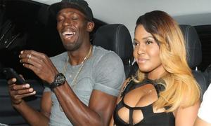 Bolt trao HC vàng cho dàn mỹ nữ ngực trần