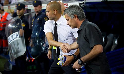 guardiola-thang-ap-dao-mourinho-truoc-lan-cham-tran-thu-17