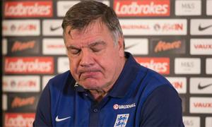 Báo Anh tiết lộ tám HLV Ngoại hạng Anh nhúng chàm như Sam Allardyce