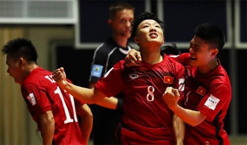 ban-thang-cua-minh-tri-lot-vao-top-10-o-fifa-futsal-world-cup-2016