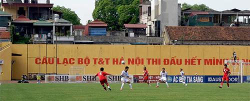 v-league-trong-mat-mot-nha-bao-anh-2
