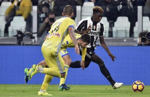 Juventus có cầu thủ đầu tiên sinh ở thế kỷ 21 ra sân tại Serie A