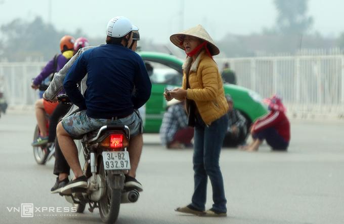 Vé chợ đen trận Việt Nam - Indonesia tăng gấp 5 lần giá gốc - ảnh thể thao