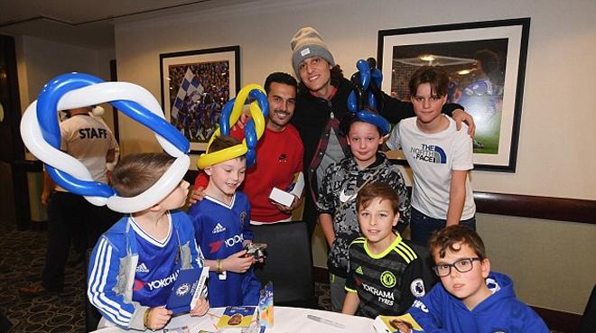 Chelsea mở tiệc chiêu đãi CĐV trẻ