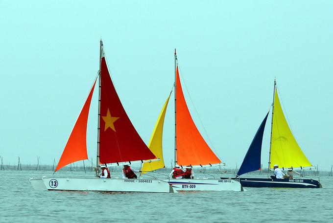 30 đội tranh tài giải đua thuyền buồm ở Vũng Tàu