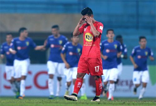 hagl-thua-tran-thu-ba-lien-tiep-tai-v-league-2017-1