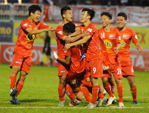 cong-phuong-lap-cu-dup-hagl-thang-tran-dau-o-v-league-2017