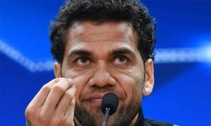Dani Alves: 'Lãnh đạo Barca rất giả dối và vô ơn'
