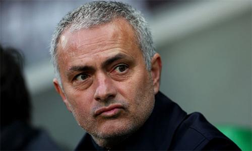 mourinho-he-lo-doi-thu-ua-thich-tai-europa-league