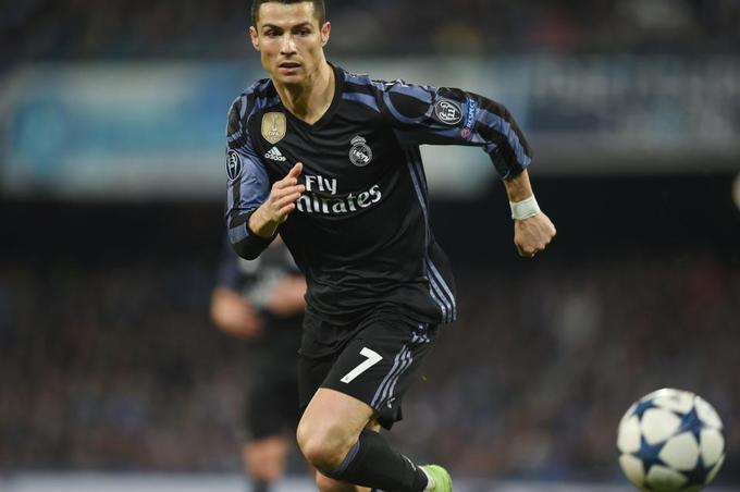 Ronaldo vô địch về lượng người theo dõi trên Twitter và Instagram