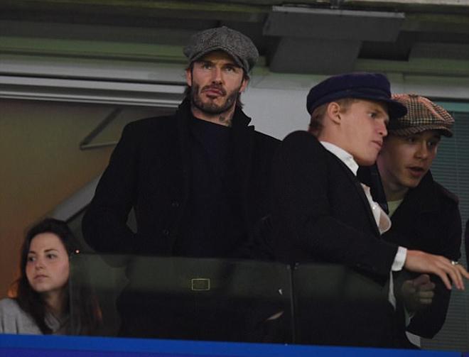 Ferguson, Beckham trầm lặng xem Man Utd đại chiến Chelsea