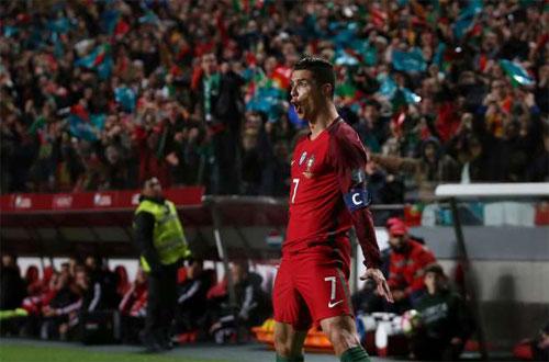 ronaldo-ghi-cu-dup-bo-dao-nha-thang-tran-thu-tu-lien-tiep-o-vong-loai-world-cup